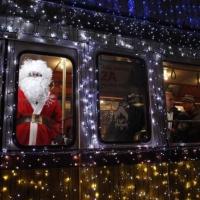 По омским улицам проедет новогодний автобус
