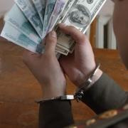 Работника колонии будут судить за передачу денег заключенному