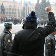 За лозунги на площади пожилого омича признали экстремистом