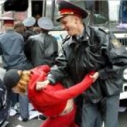 Гостья из Челябинска обвинила омскую полицию в избиении