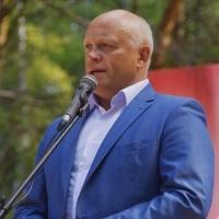 Губернатор Омской области ушел в отпуск пораньше