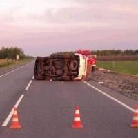 Под Омском перевернулась Toyota Land Cruiser, погиб водитель