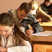 Почти 2% выпускников Омской области не справились с итоговым сочинением