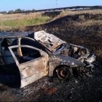 Под Омском в сгоревшей машине погиб человек