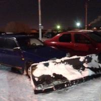 Мэр Омска рассказал, почему на дорогах лежит прошлогодний снег