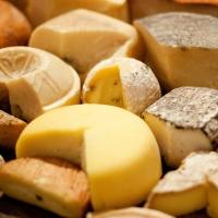 У омского предпринимателя изъяли более 12,8 тонн некачественного сыра
