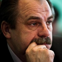Главному архитектору Омска Анатолию Тилю предъявили обвинение