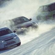 Автогонщики опробуют омский лёд