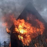 По факту пожара в Омске, на котором погибли дети, возбуждено уголовное дело