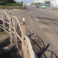 За месяц в Омске установят 2 000 метров дорожных ограждений