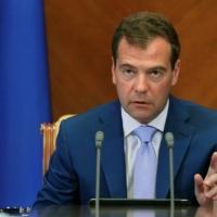 Дмитрий Медведев предложил увольнять ненужных чиновников
