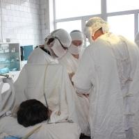 Омские хирурги впервые провели операцию по эндопротезированию в районной больнице