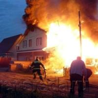 На пожаре в Омской области погибли отец и его пятилетняя дочь