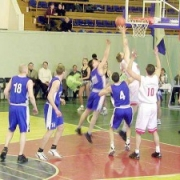 """Омские баскетболисты проиграли """"Парме"""" почти 50 очков"""