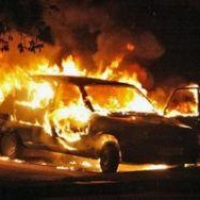 Омич сжег автомобиль бывшей жены стоимостью 300 тысяч рублей