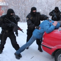 В Омске обезвредили ОПГ наркодилеров