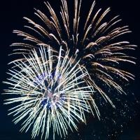 Омичи смогут запустить салют в Новый год на четырех площадках