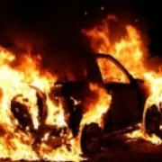 В Кировском округе полностью сгорел автомобиль