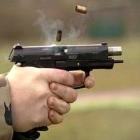 Омич получил несколько выстрелов в грудь в центре Омска