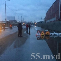 На затопленных улицах Центрального округа Омска восстановили движение