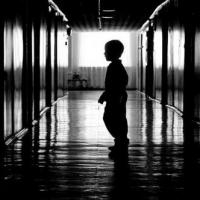 В Омской области педофила осудят по трем статьям