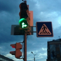 Омский Минстрой потратит на знаки, светофоры и дороги более 80 миллионов рублей
