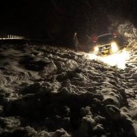 В Омской области инспекторы ДПС за ночь выкопали из снега иномарку инвалида