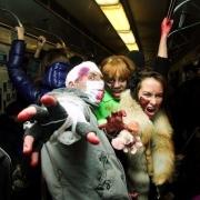 """Омская арт-группа """"Событие"""" отпразднует День дурака в подземном переходе"""
