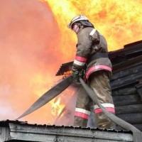 В Центральном районе Омска сгорела дача