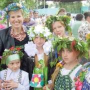 «Васильковое лето» закружило хоровод