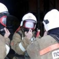 В Омске при пожаре в многоэтажке спасли 25 человек