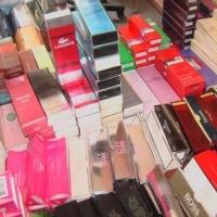 Омская полиция изъяла свыше тысячи флаконов контрафактного парфюма