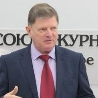 Корбут поставил перед депутатами задачу повысить явку на выборах