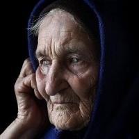 В Омске мошенники выманили у старушки треть миллиона