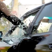 Росгвардейцы застукали троих омичей за кражей навигаторов из авто
