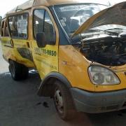В центре Омска пассажирская газель столкнулась с легковым автомобилем