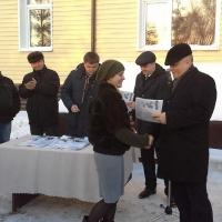 В Омске воспитанники детских домов получили квартиры