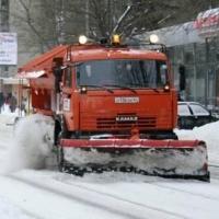 Дорожники чистят омские улицы в режиме нон-стоп