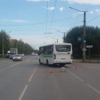 В Омске ищут водителя, врезавшегося на машине в маршрутку