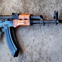 Под Омском уголовник расстрелял троих сельчан из АК-47
