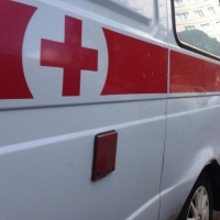 В Омске Hyundai сбил двух пешеходов и врезался в грузовик