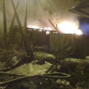 Омские пожарные спасли из огня 80-летнюю пенсионерку