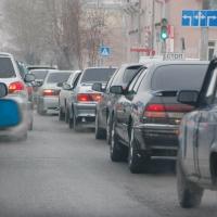 Ситуацию с пятничной пробкой в Омске усугубил флешмоб и ДТП