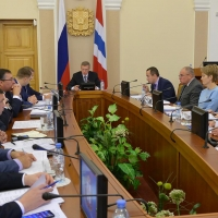 Бурков учит омских чиновников комплексному мышлению