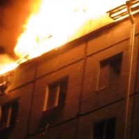 В Омске из горящей многоэтажки эвакуировались 50 человек