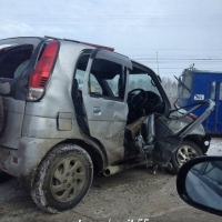 В Омске столкнулись Cadillac и Daihatsu, ребенок госпитализирован