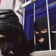 Омич украл веб-камеру с избирательного участка