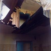 В Советском округе Омска из горящей двухэтажки пожарные спасли 25 человек