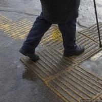 Некачественная тактильная плитка снова появится на улицах Омска