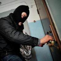 30-летний омич ограбил квартиру в поселке Набережный